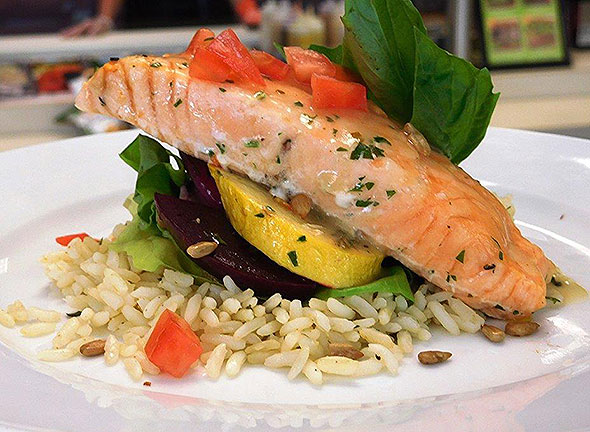 Photo of a healthy salmon dinner provided by the assisted living food service