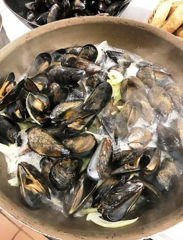Photo of steamed mussells prepared by senior housing food service.