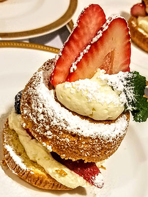 Senior Dining Food Service Dessert